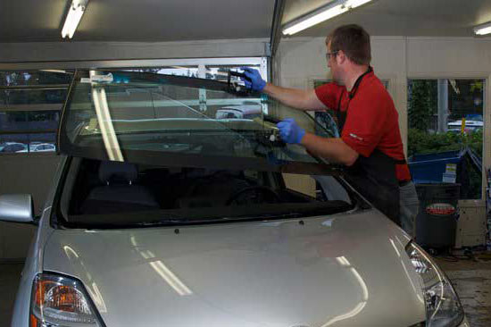 Windshield replacement in Edmonds, WA